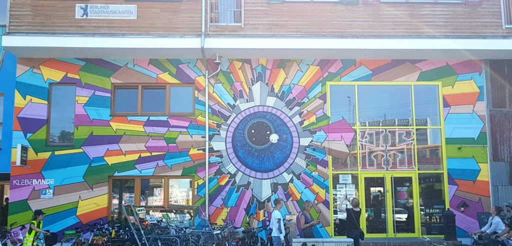 Berlin Mural Fest Friedrichshain Klebebande Holzmarkt